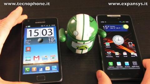 Samsung-Galaxy-S-II-vs-Motorola-RAZR