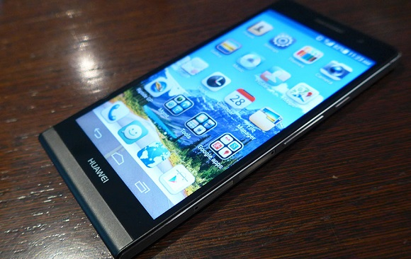 huawei-ascend-p6-hands-on-2013-03