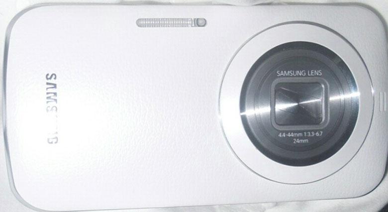 Samsung Galaxy S5 Zoom: prime caratteristiche tecniche